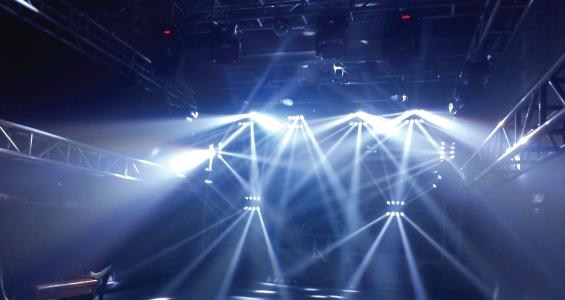 LED透明屏在舞台舞美应用中的优势有哪些?