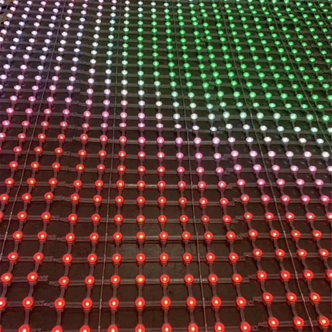 LED网格屏为生活增添光彩