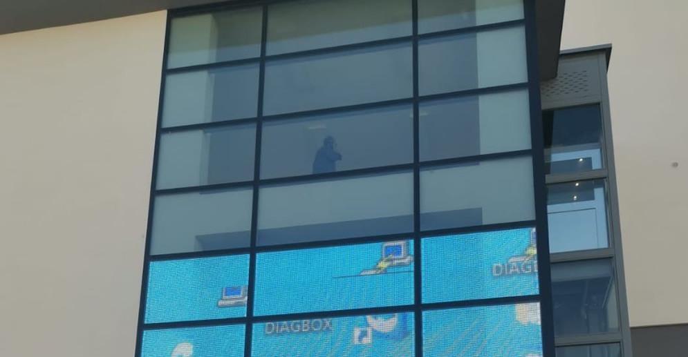 led贴膜屏案例-意大利某政府大楼